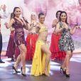 Sabrina Sato arriscou passos de dança do ventre com Wanessa