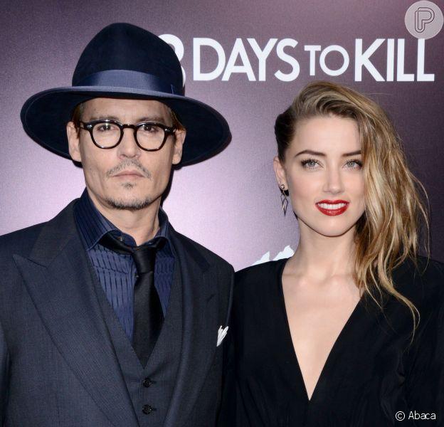 Johnny Depp e Amber Heard se casam em cerimônia discreta na casa do ator, em Los Angeles, no dia 3 de fevereiro de 2015
