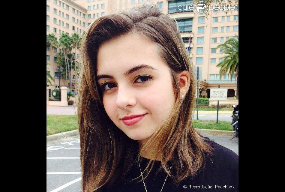 Klara Castanho tem mostrado nas redes sociais que se tornou uma it-girl e diz que ainda não se apaixonou. 'Alguns suspiros maiores só', confessa