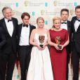 Premiados se reúnem no tapete vermelho do Bafta, em Londres