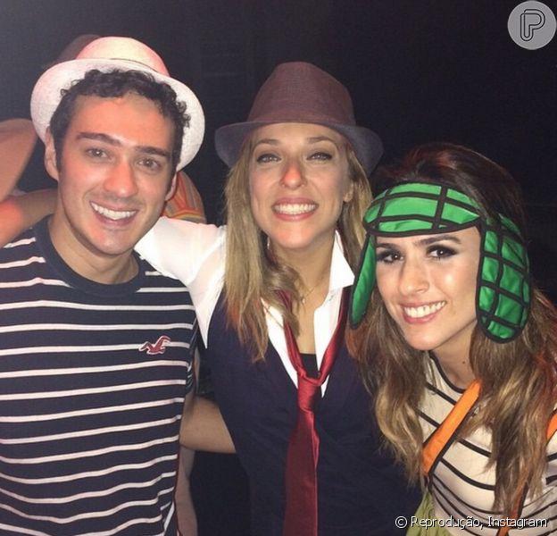 Tatá Werneck usa fantasia de Chaves em festa com Marcos Veras e Júlia Rabello, em 8 de fevereiro de 2015