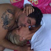 Xuxa publica foto beijando Junno Andrade, que deixa à mostra tatuagem no braço