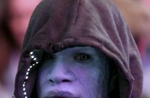 Jamie Foxx, pintado de azul, encarna Electro em 'O Espetacular Homem-Aranha 2'