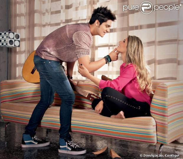 Luan Santana faz ensaio com a namorada, Jade Magalhães, para a revista Contigo!, em 17 de abril de 2013