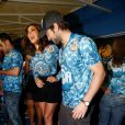 Bruna Marquezine ensinou Chace Crowford a sambar na Sapucaí. Ator de 'Gossip Girl' veio ao Brasil para conhecer o Carnaval