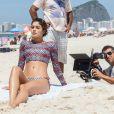 Sophie Charlotte mostrou boa forma durante gravação da novela 'Babilônia', em praia do Rio, nesta segunda-feira, 23 de fevereiro de 2015