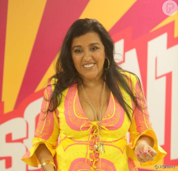 Regina Casé comenta repetição de look usado no casamento de Thiaguinho e Fernanda Souza: 'Acho chique', disse ela durante a gravação especial de 'Esquenta', nesta quarta-feira, 25 de fevereiro