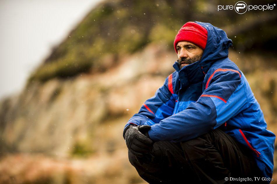 Domingos Montagner é o protagonista Miguel, um oceanógrafo esquivo e solitário, que se apaixona por Lígia (Debora Bloch) e vai descobrir que é pai de sete filhos, na novela 'Sete Vidas' que estreia nesta segunda-feira, 09 de março de 2015