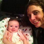 Mãe aos 40 anos, Leticia Isnard fez curso para cuidar da filha recém-nascida