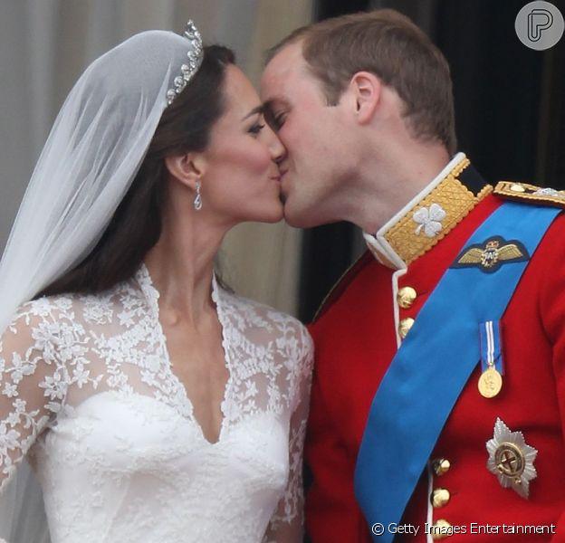 Kate Middleton e o príncipe William completam dois anos de casamento nesta segunda-feira, 29 de abril de 2013, mas celebram as Bodas de Algodão separados
