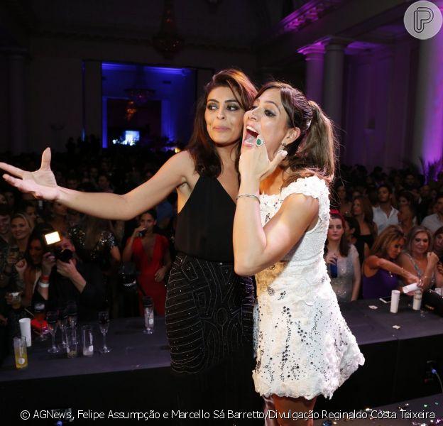 Carol Sampaio brinca com Juliana Paes em sua festa de aniversário, nesta sexta-feira, 13 de março de 2015