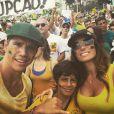 Márcio Garcia a a mulher, Andrea Santa Rosa, no movimento anti-Dilma Rousseff, na orla de Copacabana, Zona Sul do Rio de Janeiro