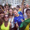 Ellen Jabour pintou o rosto para aderir ao movimento anti-Dilma Rousseff: 'A parte que a gente canta o hino é a mais linda!'
