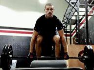 José Loreto exibe músculos em treino para viver o lutador José Aldo no cinema