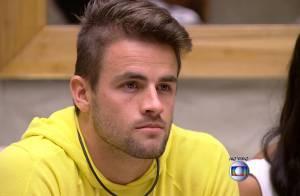 'BBB15': Rafael é eliminado e leva bronca de Talita. 'Beijou a Tamires. Eu vi'
