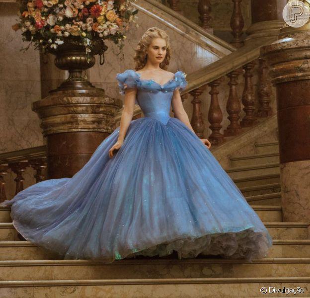 Lily James se vê parecida com personagem de 'Cinderela': 'Ela ganha força a partir de sua perda'