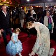 Atenciosa, ela comparou os 'sapatinhos de cristal' com os da filha de Ian Zering, o Steve da série 'Barrados no Baile'