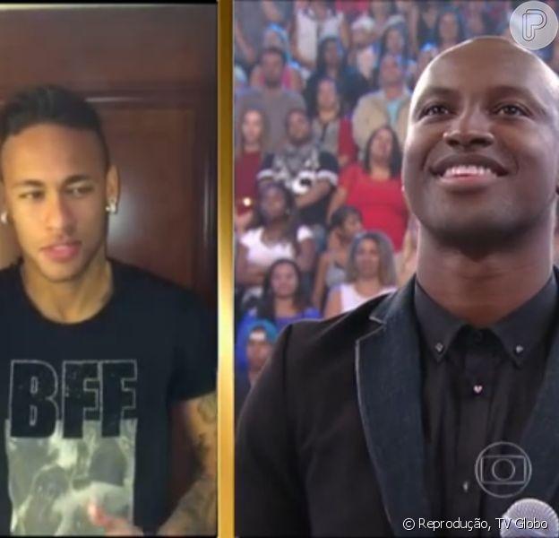 Neymar apareceu no telão para falar sobre a amizade com Thiaguinho. O programa foi ao ar em 5 de abril de 2015