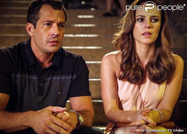 Bruno (Malvino Salvador) diz a Paloma (Paolla Oliveira) que sua mulher teve gêmeos e só Paulinha (Klara Castanho) sobreviveu ao parto, em 'Amor à Vida', em 27 de maio de 2013