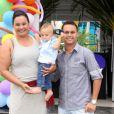 Solange Couto é casada com o estudante Jamerson Andrade, 30 anos mais novo que ela, e mãe do pequeno Benjamin