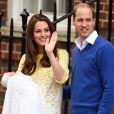 Kate Middleton deixou o hospital dez horas após dar à luz