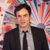 De férias, Sergio Guizé faz aniversário de 35 anos após o fim de 'Alto Astral'