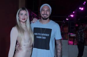 Aline, do 'BBB15', usa look colado e recebe elogio de Fernando: 'É puro fetiche'