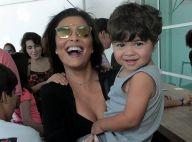 Juliana Paes leva os filhos, Pedro e Antonio, a musical no Rio