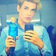 O modelo Celso Santebanes é considerado a versão brasileira do boneco Ken, o namorado de Barbie