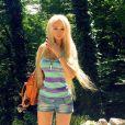 A ucraniana Valeria Lukyanova tem 1,70 m de altura e pesa apenas 42kg