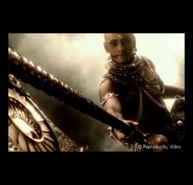 Rodrigo Santoro aparece com os músculos à mostra na continuação do filme '300'. Trailer oficial foi divulgado em 13 de junho