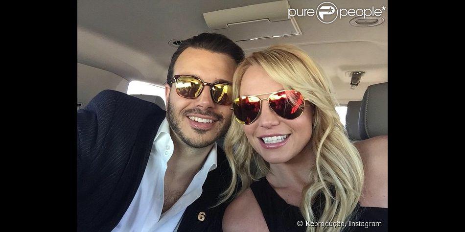 Britney Spears e Charlie Ebersol colocaram um ponto final no relacionamento, informou o site 'Daily Mail'