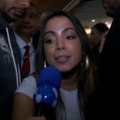 Anitta se irrita ao falar com Babi Rossi, do 'TV Fama': 'Não quero que seja ela'