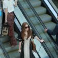 Marina Ruy Barbosa curtiu um passeio com a mãe e as amigas Luma Costa e Carol Sampaio no shopping Village Mall, na Barra da Tijuca, Zona Oeste do Rio de Janeiro, nesta terça-feira, 23 de junho de 2015
