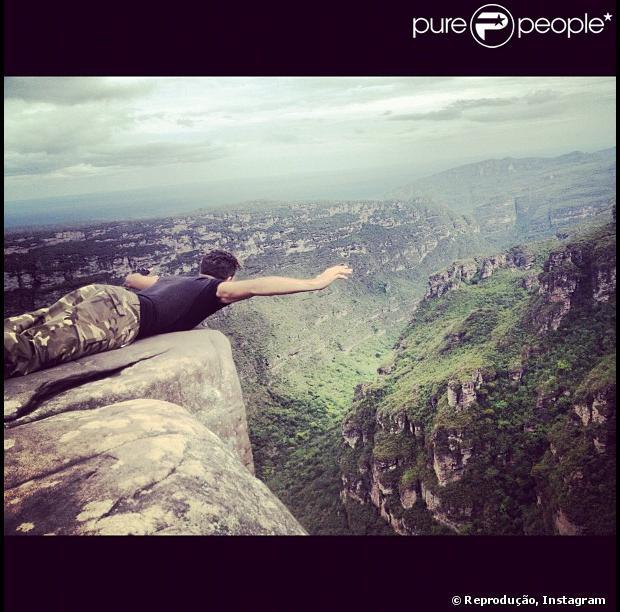 Ronald Lima, filho do Ronaldo Fenômeno, postou foto na beira de um penhasco na Chapada Diamantina, Bahia, nesta terça-feira, 4 de dezembro de 2012