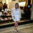 Giovanna Ewbank usa look total branco para ir a lançamento de coleção de moda em São Paulo