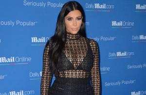 Grávida, Kim Kardashian aposta em vestido transparente para evento na França
