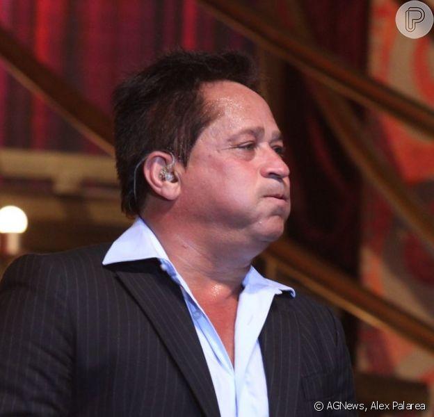 Leonardo se emocionou ao falar da morte de Cristiano Araújo em show no Barra Music, na Barra da Tijuca, Zona Oeste do Rio, na noite desta quinta-feira, 25 de junho de 2015