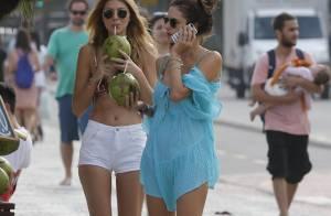 Alessandra Ambrósio curte dia de praia em Ipanema na companhia de amiga