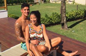 Gabriel Medina posa em clima de romance com a nova namorada, Tayna Hanada