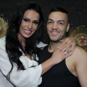 Belo e Gracyanne Barbosa namoram durante arraiá no Retiro dos Artistas
