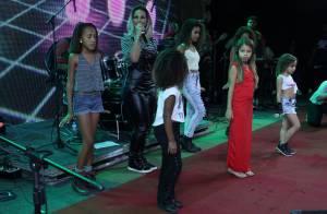 Valesca Popozuda canta e dança com fãs mirins durante show em arraiá no Rio
