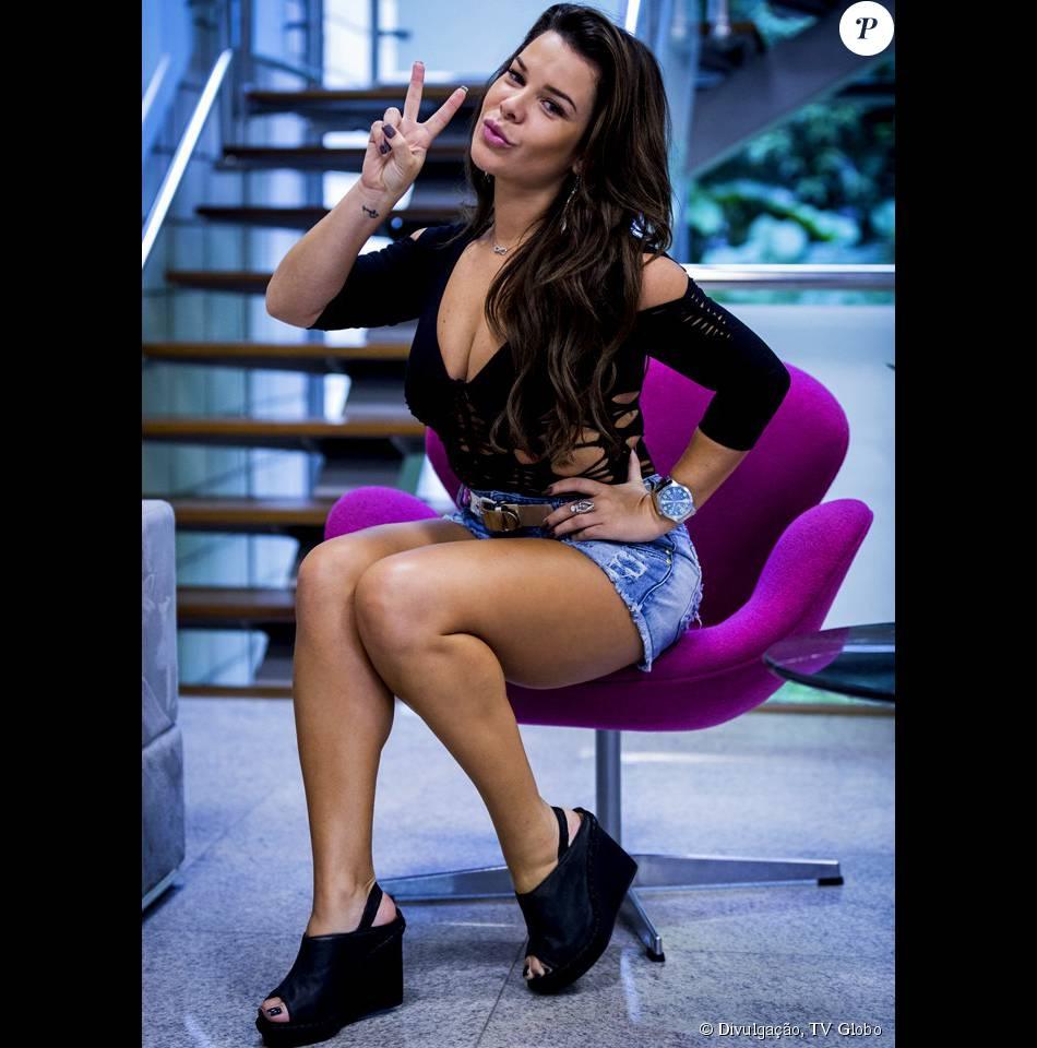 Fernanda Souza posou como sua personagem Mel na novela 'A Regra do Jogo'