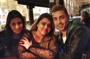 Preta Gil e ex-namorado, Thiago Tenório, vão à estreia de peça e jantam juntos