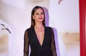 Bruna Marquezine aposta em look justo e decotado para evento com Anitta em hotel