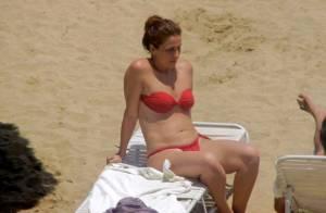 Giovanna Antonelli mostra corpão e curte praia com o marido no litoral do Rio