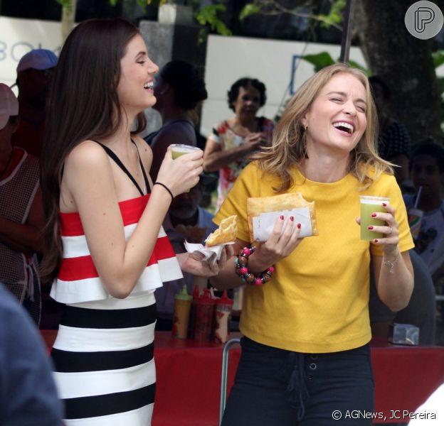 Camila Queiroz gravou uma participação no programa 'Estrelas' nesta sexta-feira, 21 de agosto de 2015