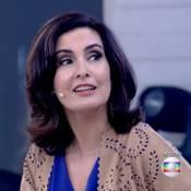 Fátima Bernardes usa colete de couro ecológico de R$ 438 e peça esgota na loja
