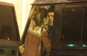 Dudu Azevedo troca beijos com morena após anúncio do término de seu namoro