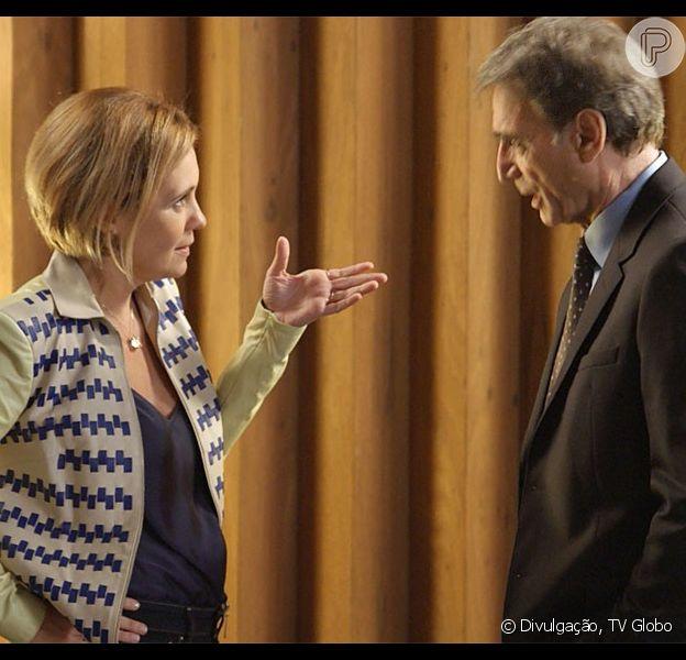 Otávio (Herson Capri) ameaça colocar Beatriz (Gloria Pires) de volta no comando da construtora, caso Inês (Adriana Esteves) atente contra ela novamente, na novela 'Babilônia', em 24 de agosto de 2015